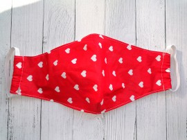 Дизайнерская маска для лица - Красная с белыми сердечками